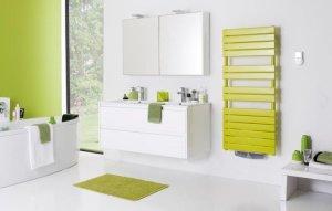 Choisissez un sèche-serviettes design, capable de chauffer votre salle de bains, même quand il est recouvert de serviettes.